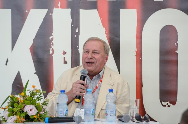 Jerzy Stuhr podczas spotkania z widzami w Cafe Kocham Kino
