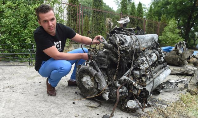 Samolot z czasów wojny leżał na dnie Bzury. Wewnątrz szczątki pilotów. ZDJĘCIA