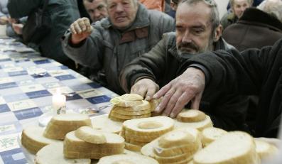 Biedni na święta o chlebie i wodzie