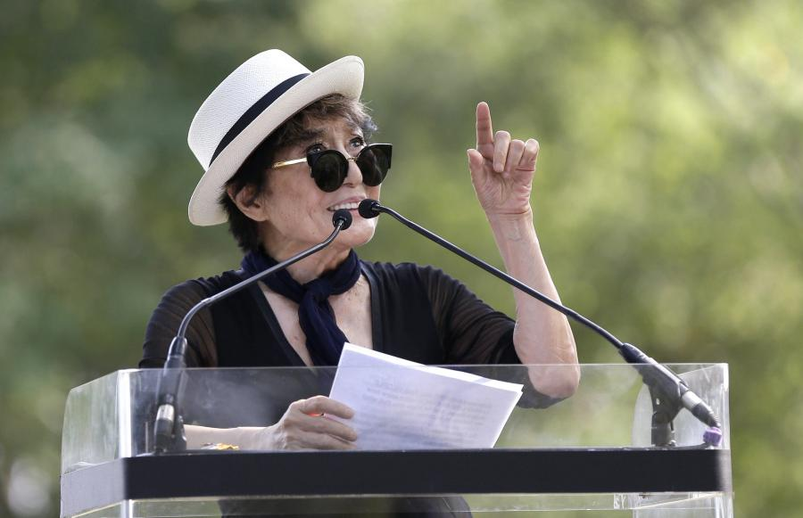 Yoko Ono chce uczcić pamięć Johna Lennona