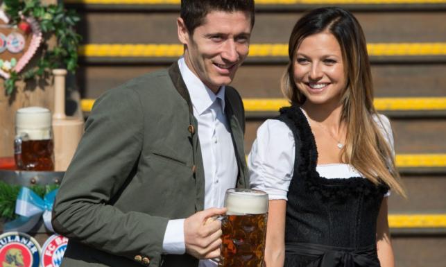 Lewandowscy na Oktoberfest. Ania z torebką wartą fortunę!