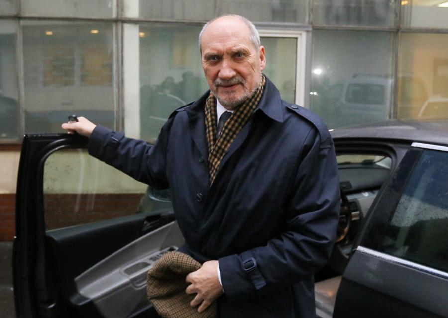 ANTONI MACIEREWICZ, minister obrony