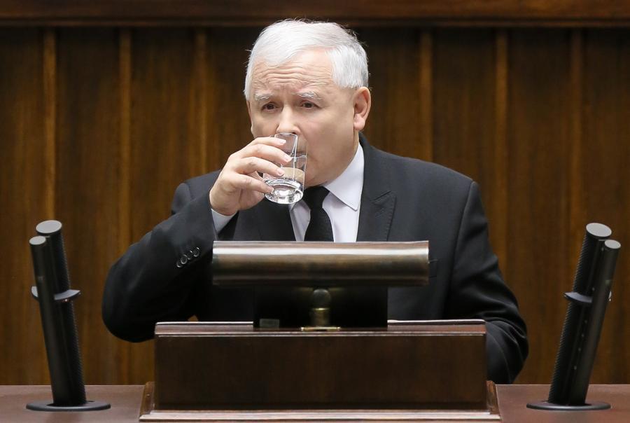 Prezes PiS Jarosław Kaczyński przemawia podczas debaty nad expose