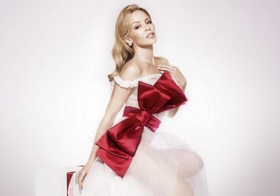 Zobacz świąteczny teledysk Kylie Minogue i jej siostry