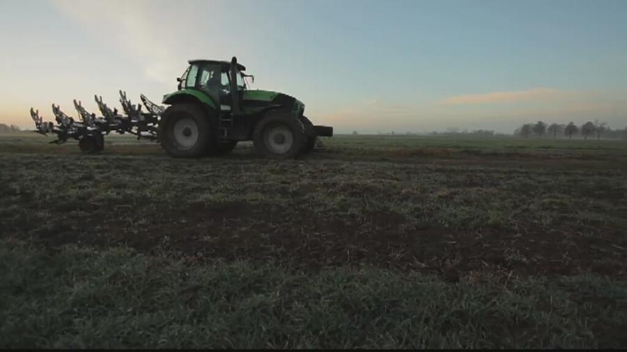 PiS chce zakazu sprzedaży ziemi