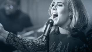 Adele lepsza od Greya