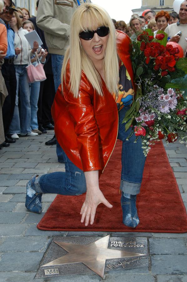 Maryla Rodowicz podczas odsłonięcia jej gwiazdy w Opolu w 2005 roku