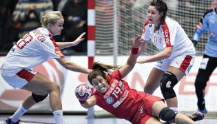 Mouna Jlezi, Stine Jorgensen i Stine Bodholt Nielsen