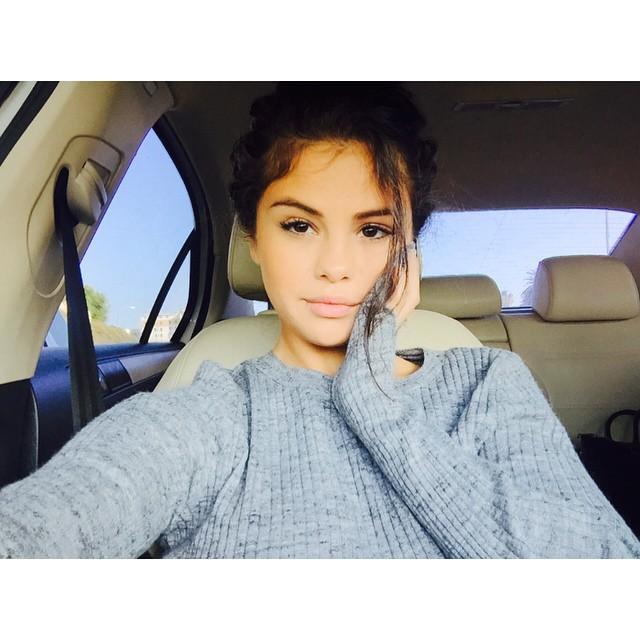 7. Selena Gomez – 2,3 miliona polubień