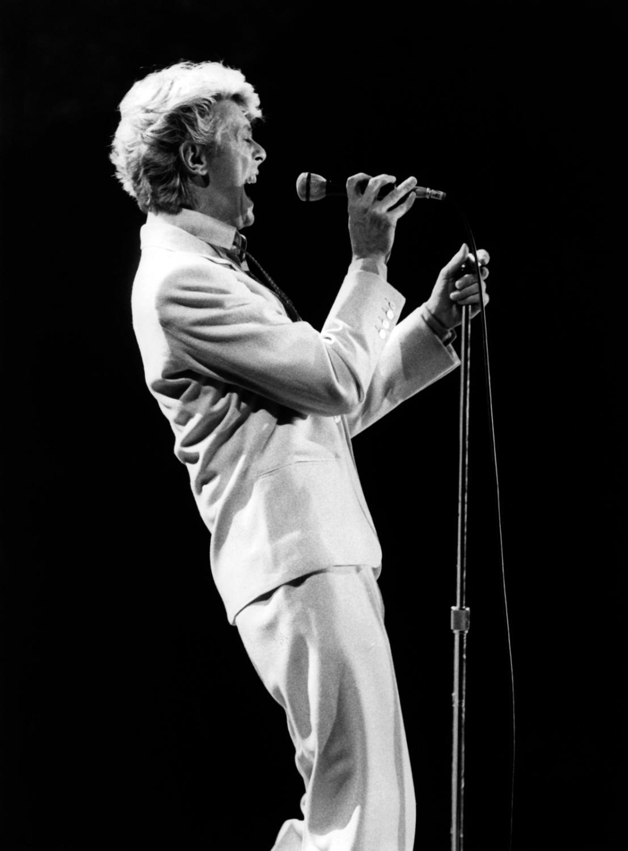 David Bowie podczas koncertu we Frankfurcie w 1983 roku