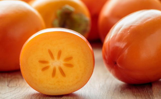 Warto jeść owoc kaki