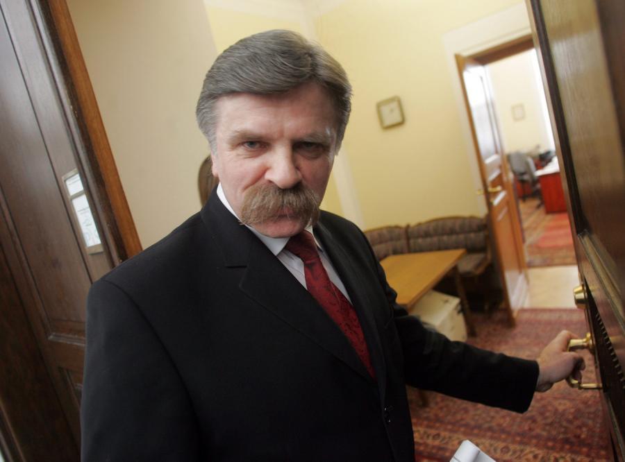 Krzysztof Putra przeciwny podwyższeniu emerytury generała Jaruzelskiego