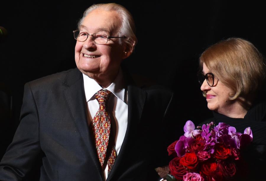 Andrzej Wajda z żoną Krystyną Zachwatowicz-Wajdą podczas koncertu \
