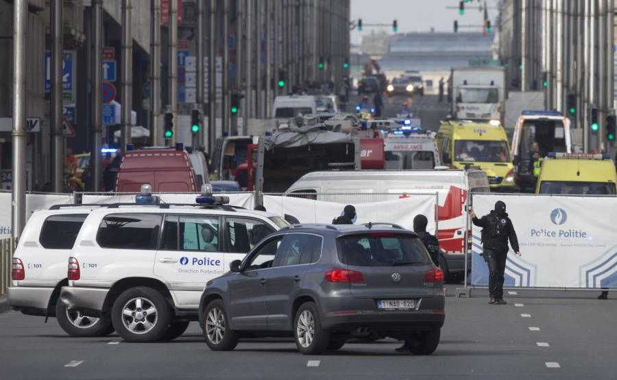Ulica w dzielnicy Maelbeek w Brukseli, zablokowana po zamachu w metrze
