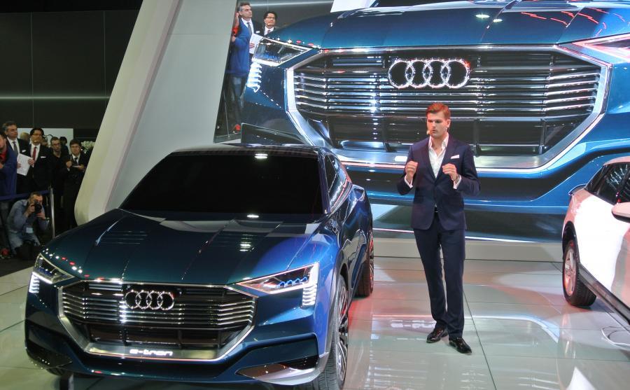 Kamil Łabanowicz prezentuje audi e-tron, które wejdzie do produkcji w 2018 roku