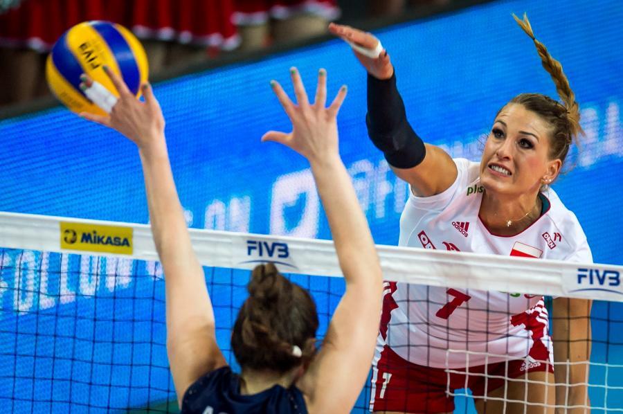 Berenika Tomsia (P) i Tanya Acosta (L) z Argentyny podczas meczu turnieju World Grand Prix drugiej dywizji siatkarek