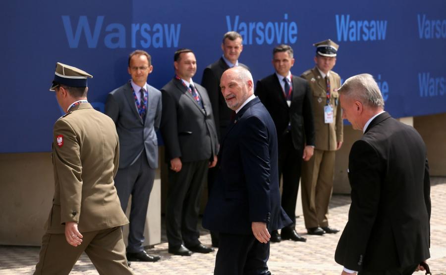 Antoni Macierewicz przybył na szczyt NATO na Stadion Narodowy