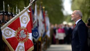 Minister obrony narodowej Antoni Macierewicz podczas uroczystości z okazji 96. rocznicy Cudu nad Wisłą i święta Wojska Polskiego w podwarszawskim Ossowie