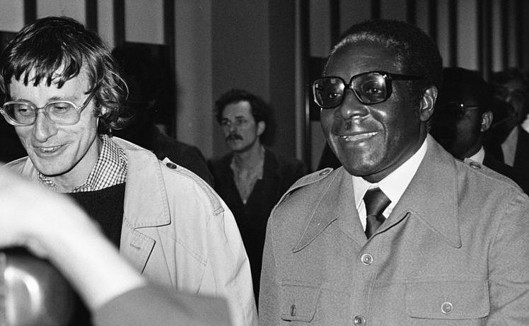 Robert Mugabe podczas rozmów w RPA w 1979 roku
