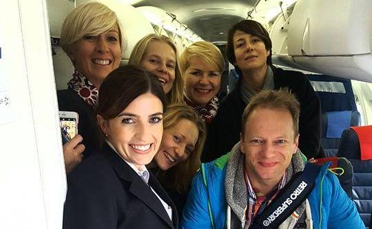 Maciej Stuhr, Maja Ostaszewska, Magdalena Popławska i Magdalena Cielecka na pokładzie LOT-u