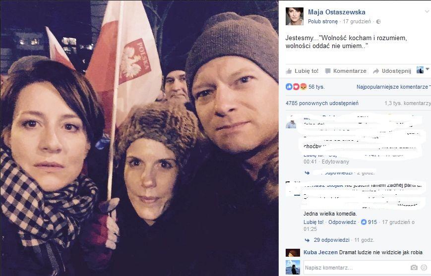 Maja Ostaszewska i Maciej Stuhr z żoną na demonstracji KOD
