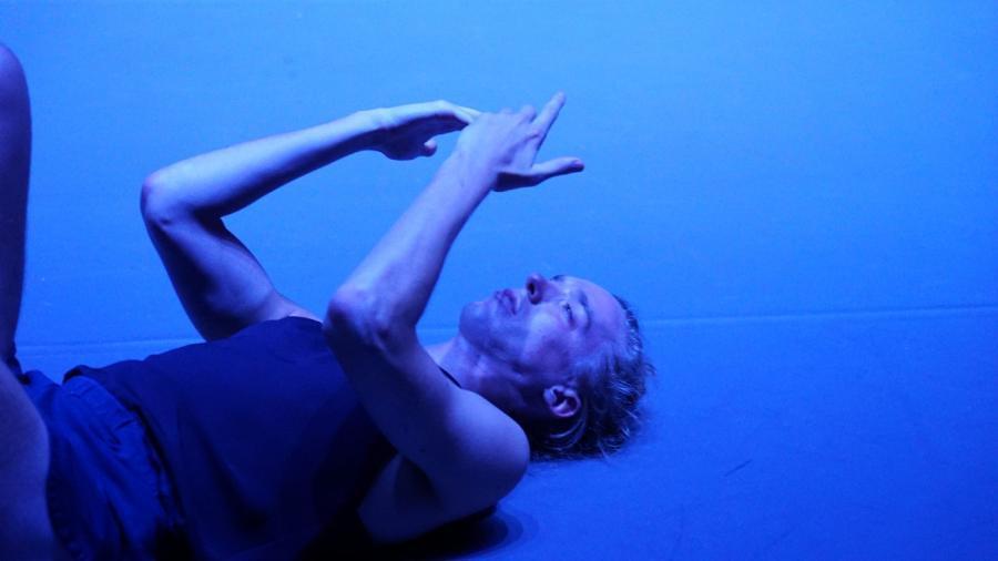 "Kadr z filmu ""Mr. Gaga""; fot. Gadi Dagon"